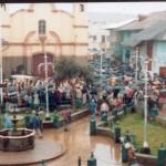 Un día de lluvia en la plaza chaupimarca.....